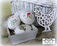 3x kraslice s praslinkami+sliepočka v bedničke :)