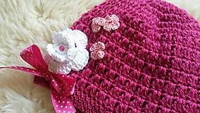 Detské čiapky - Tmavoružová čiapočka s kvietkami - 9150235_