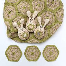 Dekorácie - Zajačikové kraslice s rozkvitnutými bruškami (béžovo-zelené) - 9154976_
