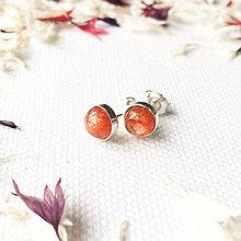 Náušnice - strieborné napichovačky 6 mm so slnečným kameňom - 9155190_
