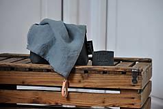 ľanový uterák s odnímateľným koženým pútkom (platinovo sivý)
