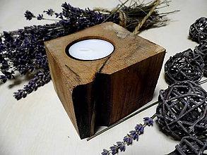 Svietidlá a sviečky - drevený svietnik - 9154111_