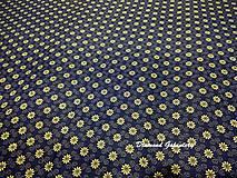 Textil - Bavlnená látka - kvietočky jemne žlté na modrom - cena za 10 cm - 9158918_