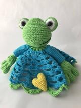 Hračky - Háčkovaný maznáčik Žabiak / Crochet safety blanket Frog - 9161901_