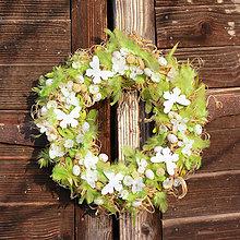 Dekorácie - Zelený veľkonočný veniec na dvere - 9158516_