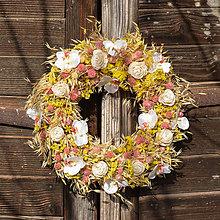 Dekorácie - Žlto-ružový jarný veniec na dvere - 9158668_