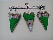 Dekorácie - tri zelené srdiečka - 9164467_