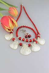 Sady šperkov - Červený koral a perleť náušnice náramok a náhrdelník - 9164987_