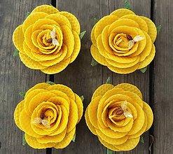 Svietidlá a sviečky - Růže z včelího vosku - svíčka - 9164969_