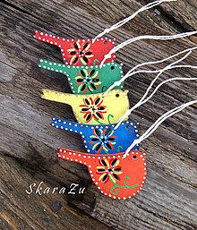 Dekorácie - Farebné vtáčiky - 9163826_