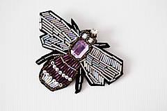 Odznaky/Brošne - Fialová maxi bzučka - 9163960_