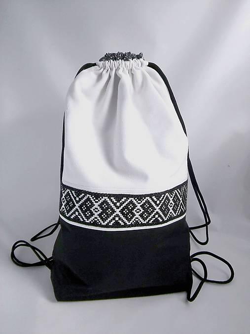 Ruksak čierno-biely   ODMARUSKY - SAShE.sk - Handmade Batohy 64104bb7dfe