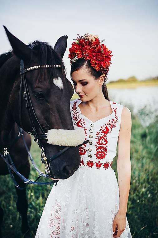 """Červená svadobná parta """"Slavianka"""""""