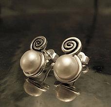 Náušnice - perlové napichovačky so špirálkou - AG 925 - 9176238_