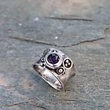 Prstene - Strieborný prsteň - V machu - 9176620_