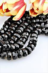 Turmalín čierny korálky brúsené 6x13mm