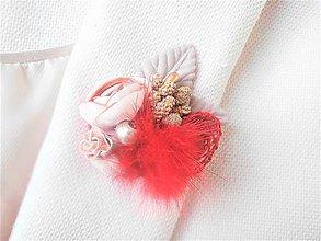 Odznaky/Brošne - Červená kožušinová kvetinová brošňa pin - 9179819_