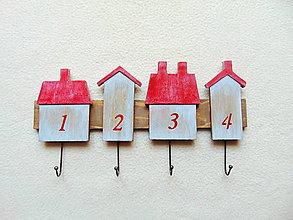 Nábytok - Vešiak na kľúče Domčeky - 9182941_
