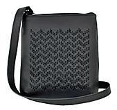 - Ručne vyšívaná kabelka z pravej kože v čiernej farbe - 9185154_