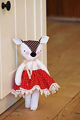 Hračky - Srnka s červenou sukničkou - 9190390_