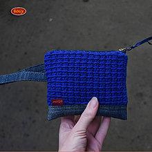 Taštičky - kapsička či peněženka s modrým háčkovaným panelem - 9186673_