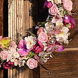 Dekorácie - Ružovo-fialový venček - 9190418_