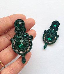 Náušnice - Ručne šité šujtášové náušniče / Soutache earrings  - Swarovski (Emma - smaragdova) - 9188655_