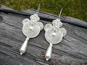 Náušnice - Soutache náušnice Svadobné perličkové Ivory - 9195104_
