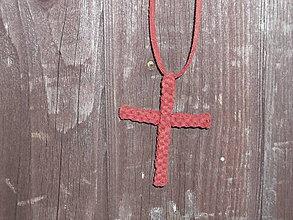 Náhrdelníky - kožený prívesok krížik - 9190836_