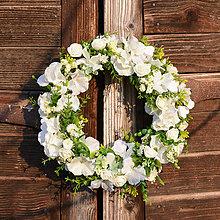 Dekorácie - Biely venček na dvere - 9190643_
