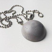 Náhrdelníky - Betónový náhrdelník Hemisphere gray (natural) - 9192446_