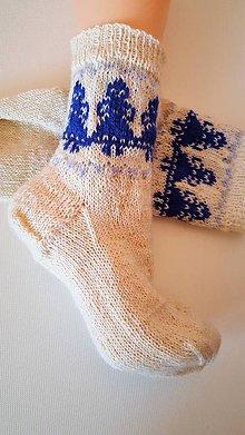 Obuv - Ponožky folklórne s modrými žienkami- z certifikovanej ponožkovej priadze - 9201257_