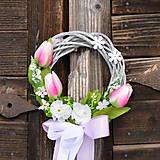 Dekorácie - Ružový jarný venček na dvere - 9195935_