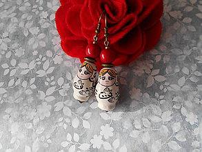 Náušnice - Matriošky v bielom kabátiku - 9198177_