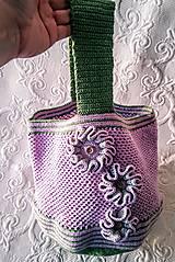 Iné tašky - Fialka so zelenými lístkami - háčkovaná taška - 9200409_