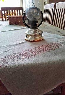 Úžitkový textil - Lněná štola na stůl s výšivkou II - 9196096_