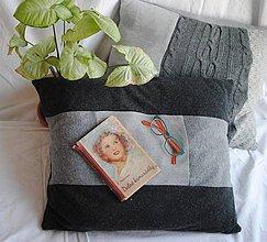 Úžitkový textil - Šedý svetrový vankúš II. - 9198067_