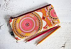 Peračník - mandaly v teplých farbách
