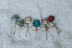 Pierka - Kvetinkové pierka - 9208255_