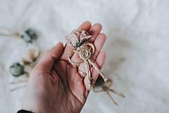 Pierka - Kvetinkové pierka - 9208259_