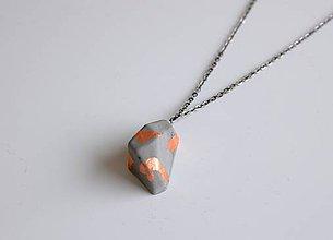 Náhrdelníky - Betónový náhrdelník meteorit natur/metallic - 9209460_