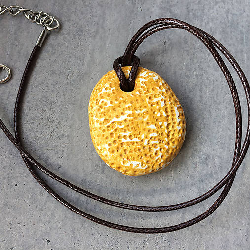Betónový náhrdelník justStone Yellow