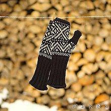 Rukavice - Dámske rukavice z ovčej vlny STRÁŽOV (Čierno - biela) - 9213314_