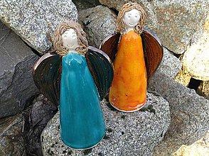 Dekorácie - Anjel  stojatý farebný - 9215001_
