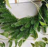 Iný materiál - Plastová smreková vetvička - 1 ks - 9218934_