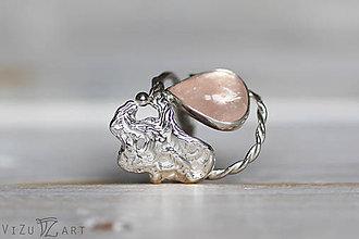 Prstene - Strieborný odlievaný prsteň s morganitom - Ľadová jaskyňa - 9217222_