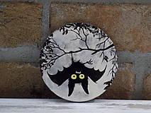 Drevená podložka pod pohár -Hanging Bat