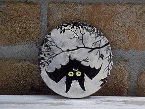 Pomôcky - Drevená podložka pod pohár -Hanging Bat - 9219403_