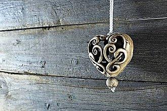Dekorácie - Vyřezávané srdce patina burel - 9218855_