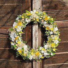 Dekorácie - Jarný veniec na dvere - 9223927_